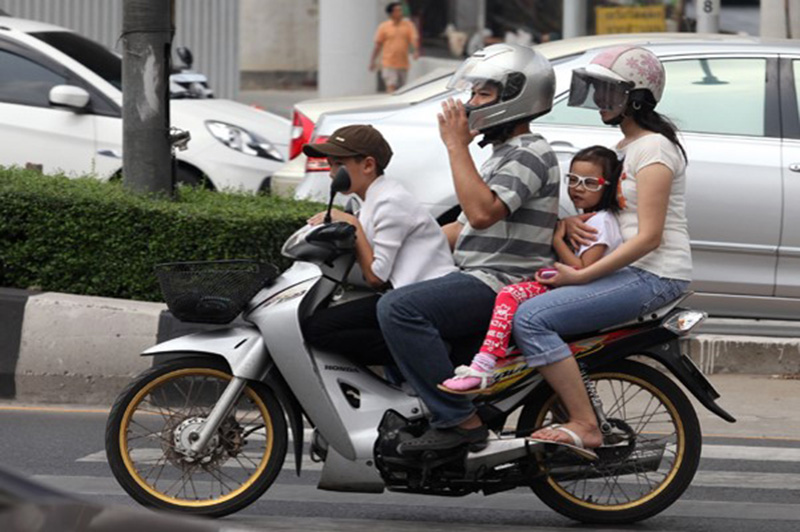 Only 7% of Thai children wear a motorbike crash helmet, contributing to an annual death toll of more than 2,500 children in the country.