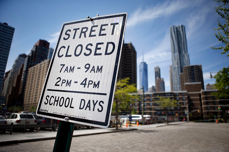 New York City's Peck Slip School successfully opened the street to students during busy school hours.