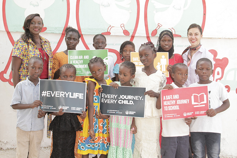 Children are joined by Awa Sarr of LASER International, who led the project with Amend to implement the #EveryLife Declaration. The #EveryLife campaign recognizes that children have the right to have their voices heard, demanding safe and healthy journeys to school.