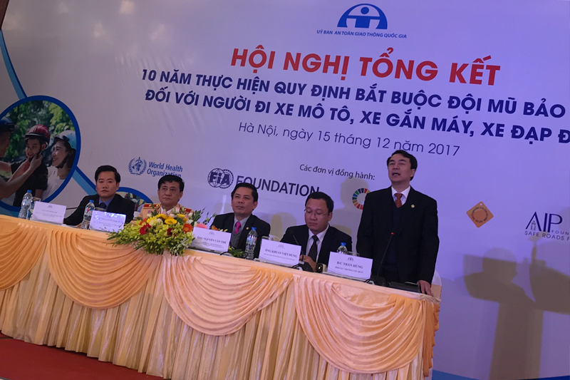 The conference gathered more than 200 representatives of Vietnam's police, provincial governments, road safety, health  and transport agencies to discuss issues including child helmet wearing and counterfeit helmets.