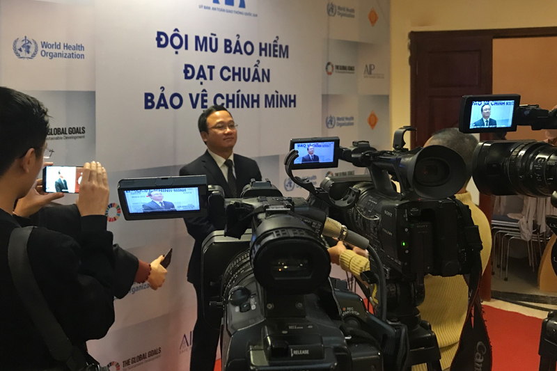 The report and conference attracted significant media attention. Here, National Road Safety Committee Vice-Chairman Dr. Khuat Viet Hung is interviewed.