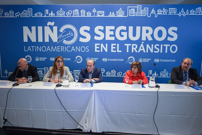 Mayor of Montevideo, Daniel Martínez, (centre) responded to the findings.
