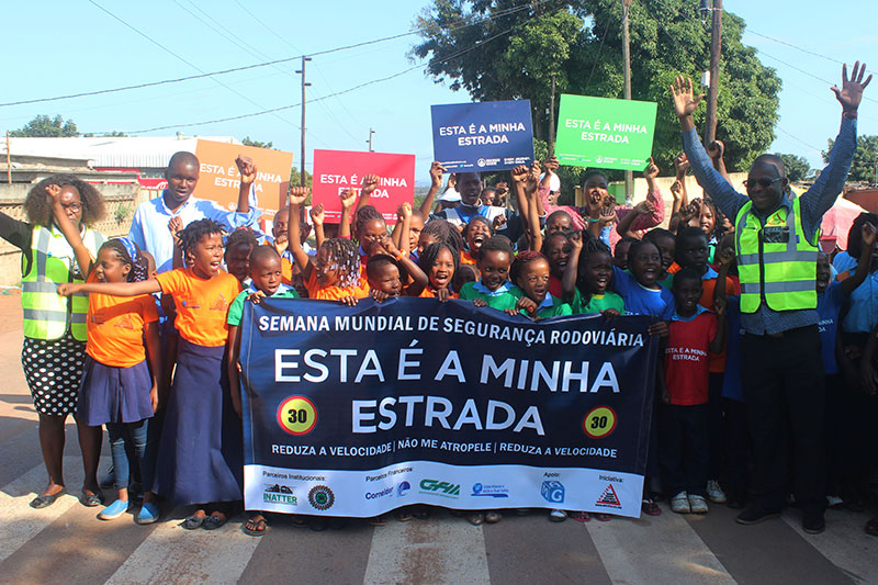 Student demonstration in Mozambique organised by Amviro.